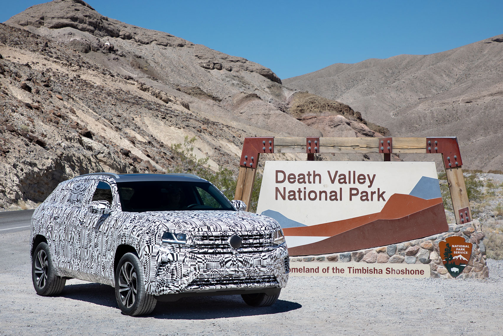 3-CrossSport_DeathValley